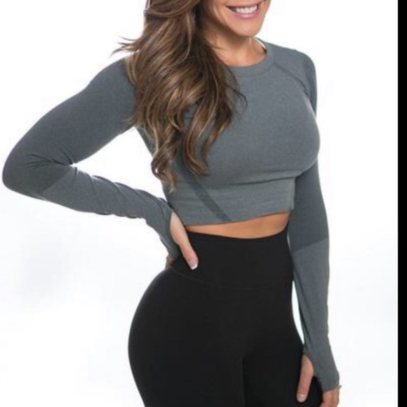 P Tula Tops Ptula Cropped Seamless Active Workout Top Poshmark The shanna crop is the perfect top to pair with any high waisted legging. poshmark